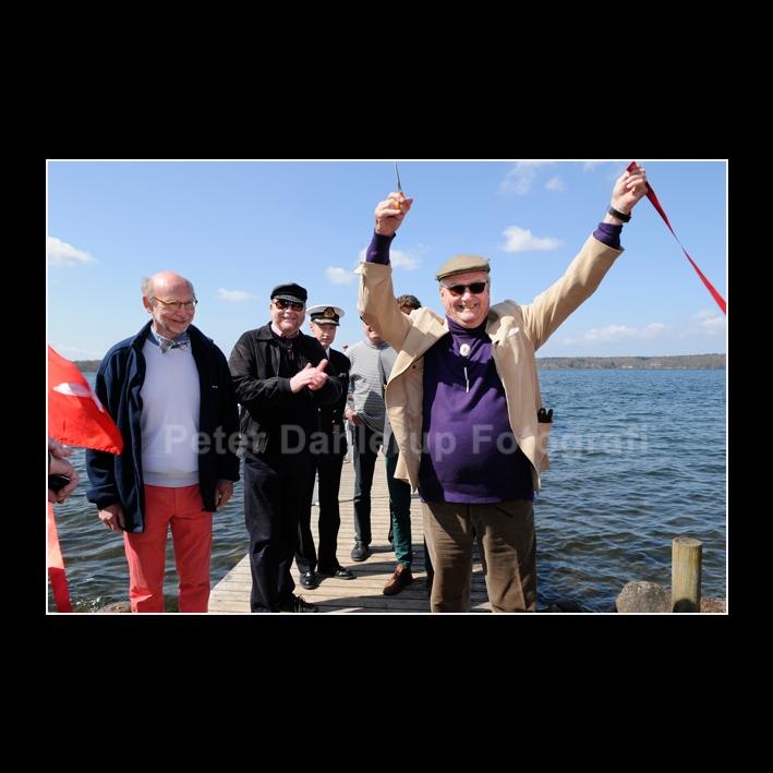 FB Bådfarten Prinsgemalen har klippet det røde bånd fotograf Peter Dahlerup Fredensborg