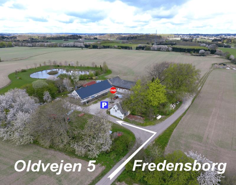 Find firmafotograf med studie midt i Nordsjælland tæt på København og Hillerød og Helsingør og hvor firmafotograf Peter Dahlerup laver flotte billeder til fair pris